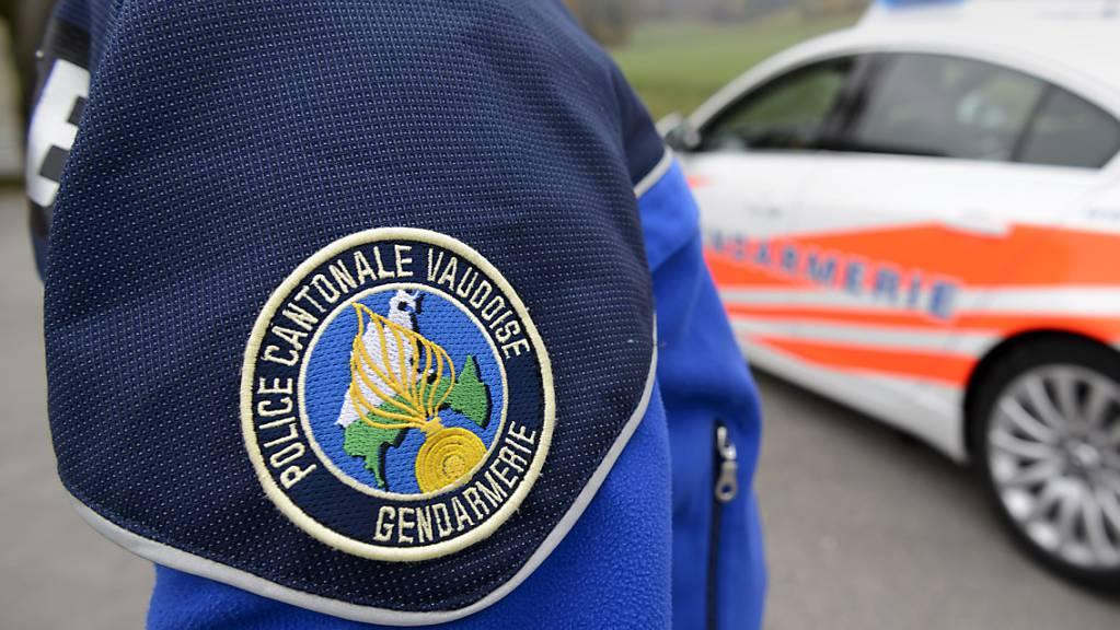 Die Kantonspolizei Waadt untersucht die genauen Umstände eines tödlichen Arbeitsunfalls in einem Weinberg in Saint-Livres VD. (Symbolbild)