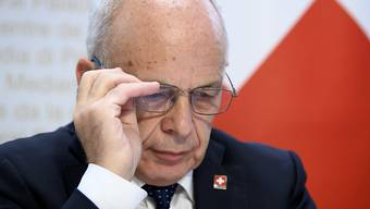 Nachdem Bundesrat Ueli Maurer eine Erhöhung der Härtefall-Hilfen des Bundes verkündet hat, will der Kanton Baselland nun nachziehen.