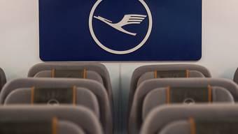 Die Lufthansa führt Gespräche über einen Verkauf des Bordmahlzeitlieferanten LSG. (Archiv)