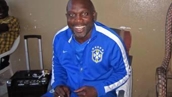 Weah in einem Trainingsanzug der brasilianischen Nationalmannschaft