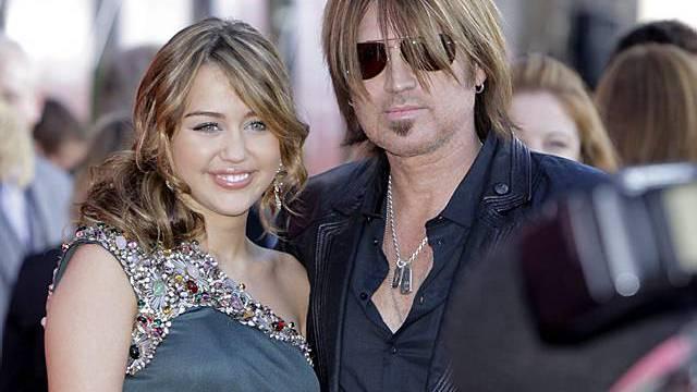 Miley Cirus mit ihrem Dad Billy Ray