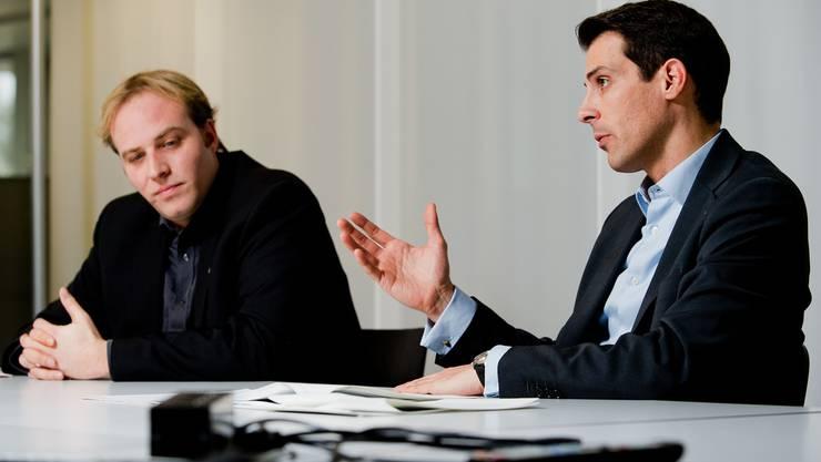 Marco Hardmeier (links im Bild) und Thierry Burkart (FDP) bei einem Streitgespräch im Februar dieses Jahres in Aarau.