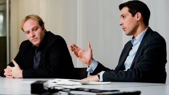 Marco Hardmeier (links im Bild) und Thierry Burkart im Streitgespräch in Aarau.