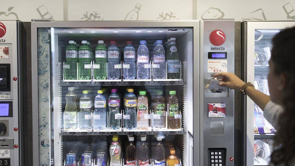 Selecta protestiert mit dem «Rauswurf» von Coca-Cola-Produkten gegen die Preispolitik des Unternehmens. (Archivbild)