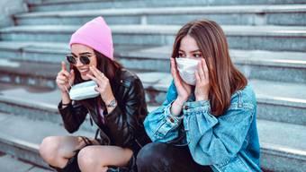 Neu müssen Schülerinnen und Schüler im Kanton Luzern auch im Schulhaus eine Maske tragen