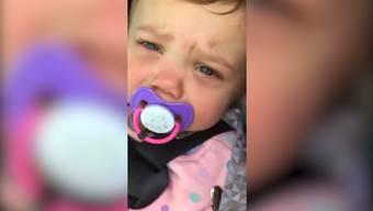 Die Eltern hatten ihre einjährige Tochter aus Versehen im Auto eingeschlossen.