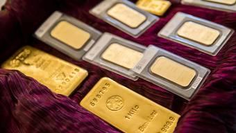 Gold gehört zu den beliebtesten Anlageformen der Schweizerinnen und Schweizer, wie eine Untersuchung der Universität St. Gallen zeigt (Archivbild).