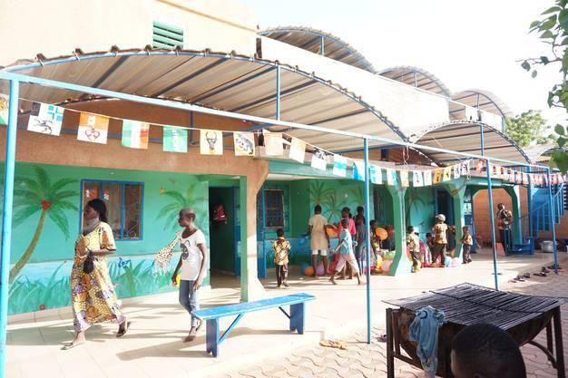 Sie eröffnete in Burkina Faso zwei Kinderheime.