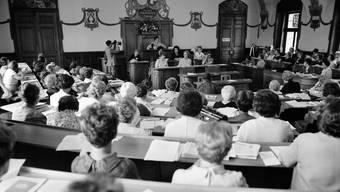 Vor 50 Jahren sassen für gewöhnlich nur Männer im Kantonsratssaal: 1967 nahm der Schweizerische Verband für das Frauenstimmrecht diesen für seine Delegiertenversammlung in Beschlag.
