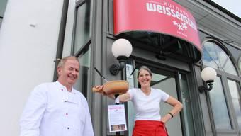 Die «Weissenstein»-Wirte Werner und Elisabeth Käser. (Bild: Andreas Toggweiler)