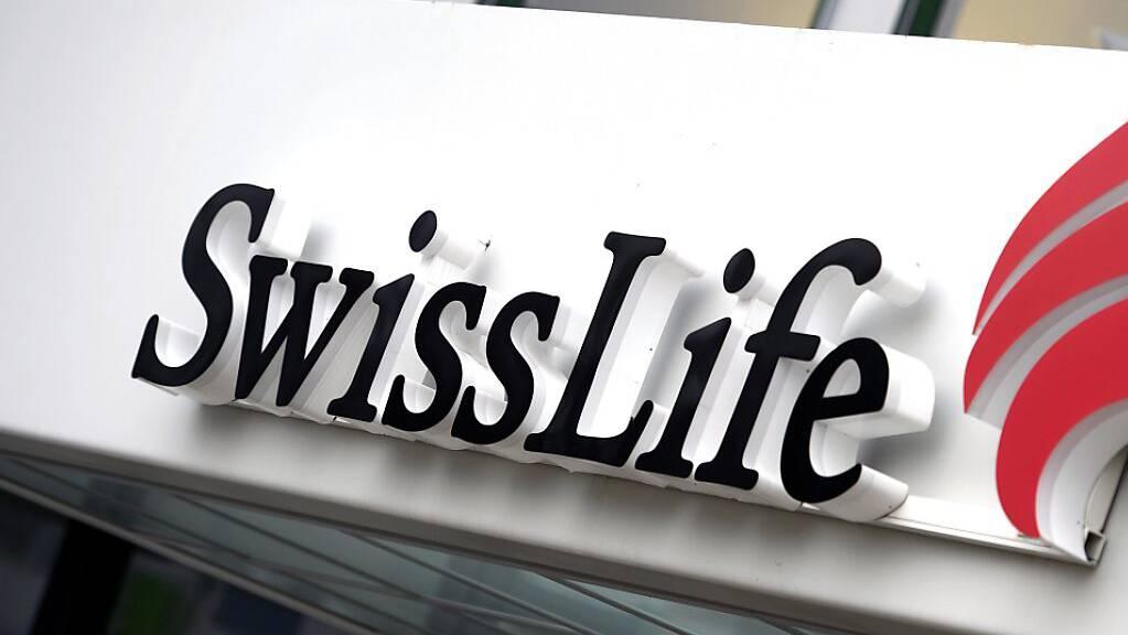 Der Versicherer Swiss Life hat im vergangenen Jahr einen Gewinnrückgang von 13 Prozent erlitten. (Archivbild)