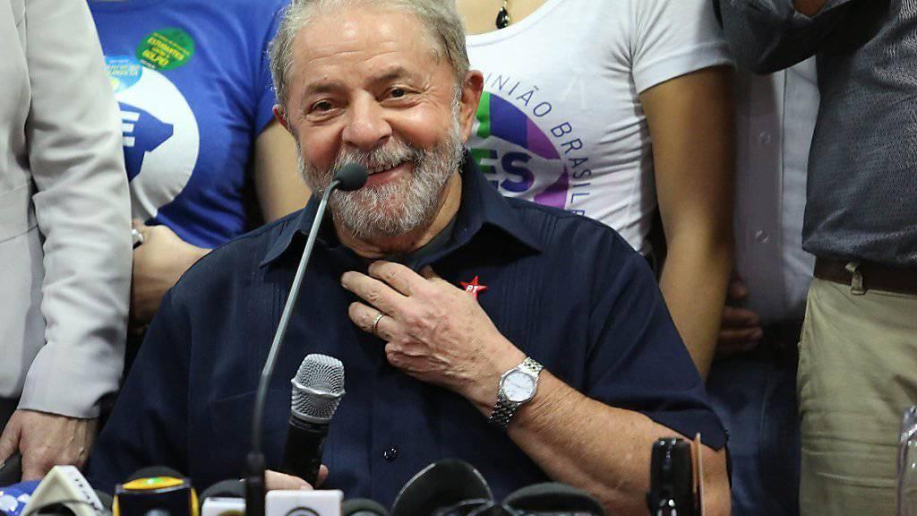 Ex-Präsident Luiz Inácio Lula da Silva wird einen der einflussreichsten Posten in der Regierung übernehmen - er will vor allem mit neuen Impulsen die ökonomische Krise bekämpfen. Zudem werden die Hürden für einen Prozess gegen ihn deutlich höher.  (Archiv)