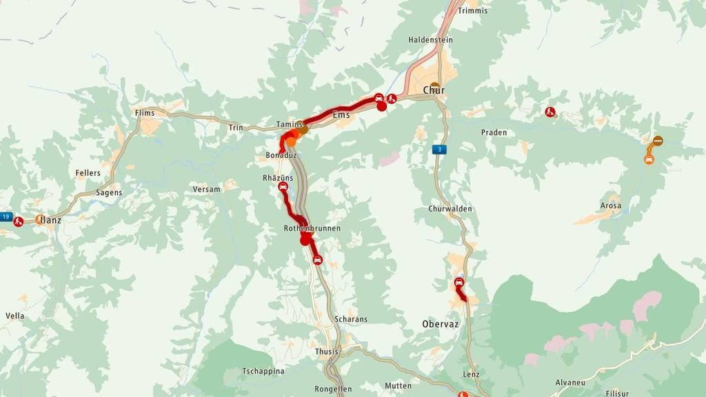 Die A13 bei Reichenau ist im Moment in beide Richtungen gesperrt.