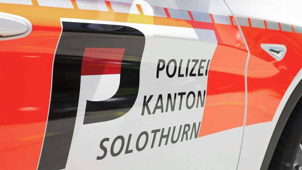 Ohne Erfolg fahndete die Kantonspolizei Solothurn nach zwei Räubern, die am Sonntag in Olten ein Bistro überfallen hatten. (Symbolbild)