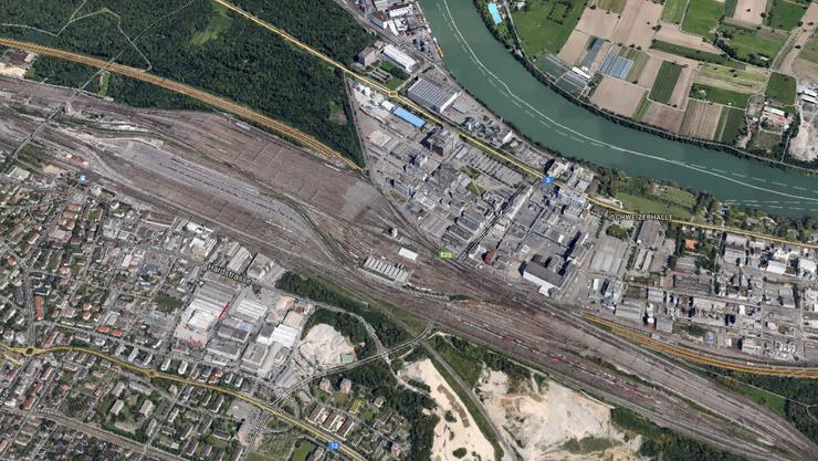 Im Tunnel Schweizerhalle verunfallten sieben Autos.
