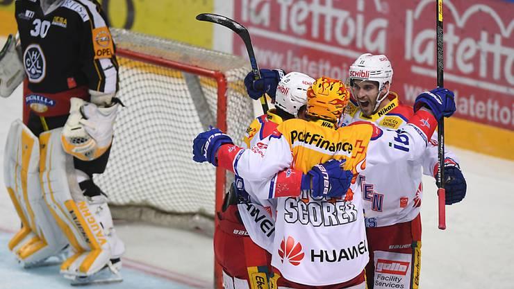Klotens Spieler bejubeln den 2:1-Führungstreffer gegen Lugano