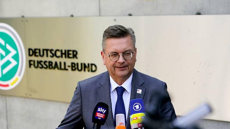 DFB-Präsident Reinhard Grindel setzt auf Jogi Löw.