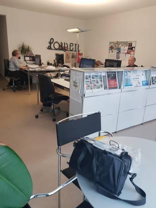 Im Redaktionsbüro der Aargauer Zeitung in der Brugger Altstadt, kann Eddy Schambron sein E-Bike laden – und einen Kaffee trinken.