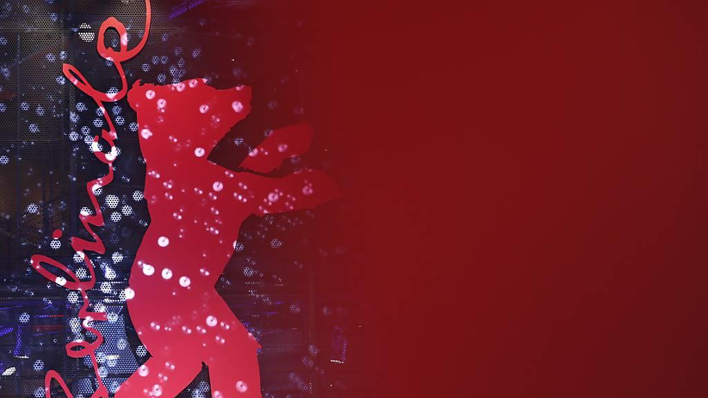 ARCHIV - 70. Berlinale, Eröffnungsgala: Das Logo der Berlinale bei der feierlichen Eröffnung der Internationalen Filmfestspiele. Foto: Christoph Soeder/dpa