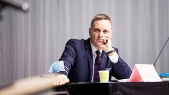 Der Aargauer Gesundheitsdirektor Jean-Pierre Gallati ist skeptisch, wenn es um die Verkürzung der Quarantäne von zehn auf sieben Tage geht.