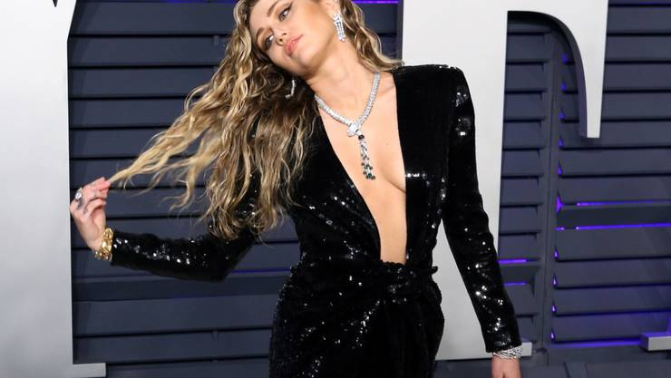"""Love & Peace: US-Sängerin und Schauspielerin Miley Cyrus freut sich auf die grosse """"50 Jahre Woodstock""""-Party. (Archivbild)"""
