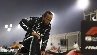 Lewis Hamilton darf sich wieder ans Steuer setzen.