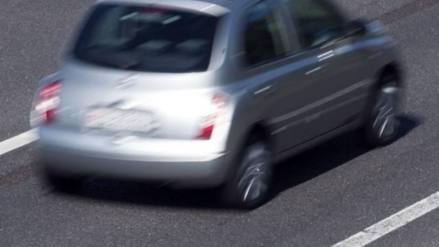 Drängeln auf der Autobahn ist nicht erlaubt (Symbolbild)