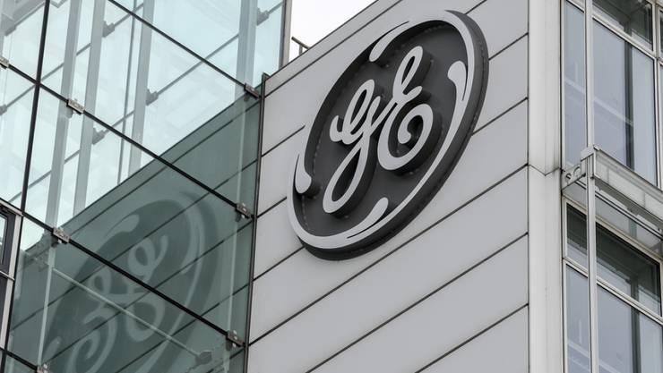 Den Schweizer Standorten von General Electric droht erneut ein personeller Kahlschlag. Hinter den Kulissen laufen intensive Gespräche zwischen den Behörden und den GE-Verantwortlichen. (Archivbild)