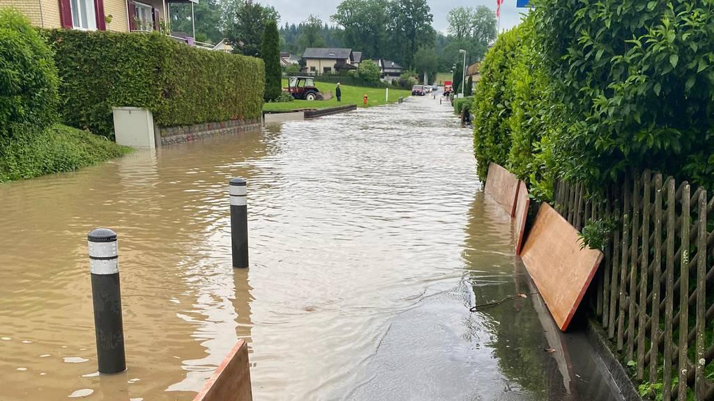 Starkregen und überflutete Keller – Polizei muss 15 Mal ausrücken