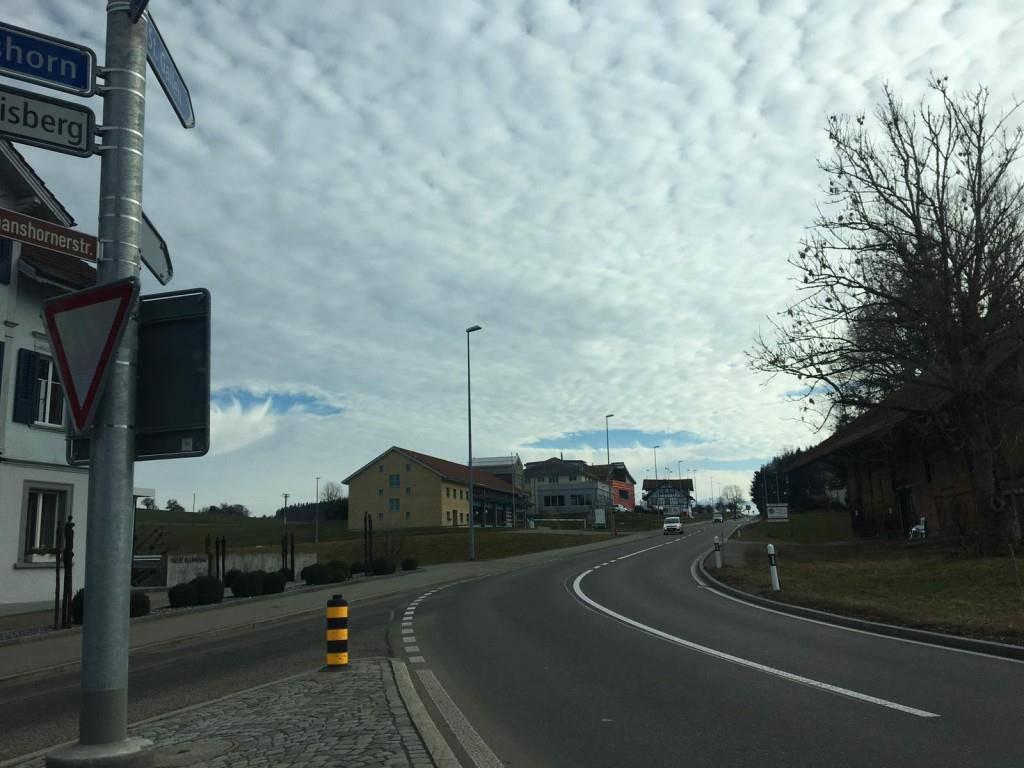 Hole-Punch Clouds im FM1-Land