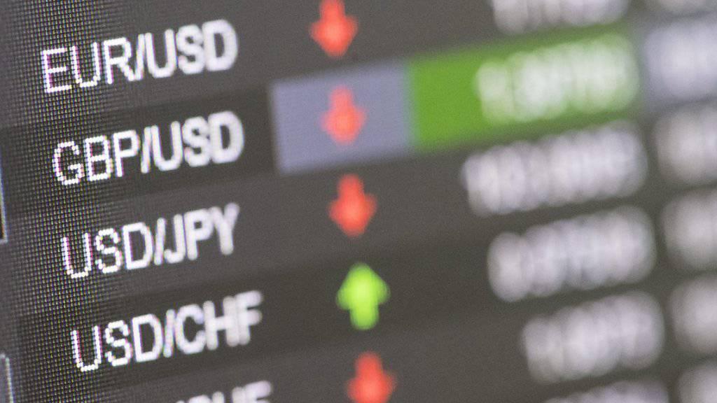 Die Briten gehen, die Kurse an den Devisen- und Aktienmärkten fallen.
