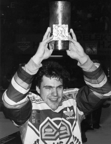 Der Herisauer Jörg Eberle ist 7-facher Eishockey Schweizermeister und spielte 193-mal für die Nationalmannschaft. (KEYSTONE/Str)