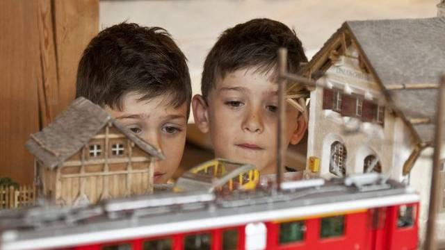 Kinder sind von der neuen Ausstellung fasziniert (Archiv)