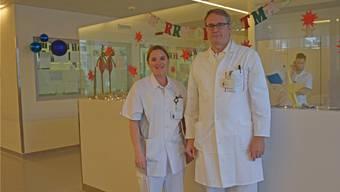 Die stellvertretende Abteilungsleitung der Notfallabteilung Andrea von Burg und der ärztliche Leiter Dr. Jürg Gurzeler.