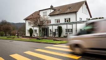 Die Gemeinde Urdorf führt eine Maskenpflicht in all ihren Gebäuden ein.
