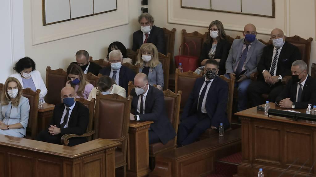 Bulgariens Regierung überlebt Misstrauensvotum