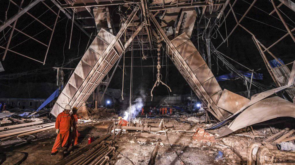 Mindestens elf Menschen waren am Dienstag bei der Explosion in einer Eisenerzmine in Benxi in der chinesischen Provinz Liaoning getötet worden.