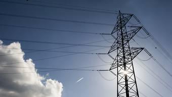 Der Strommarktpreis ist um ganze 40 Prozent gesunken - Der Kleinverbraucher merkt davon jedoch nichts. (Symbolbild)
