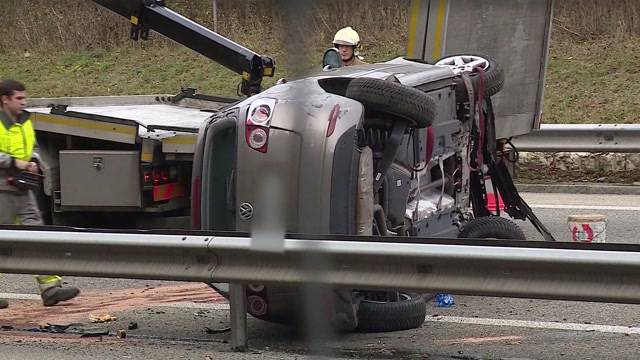 79-jährige Lenkerin prallt bei Unfall auf A3 in Leitplanke