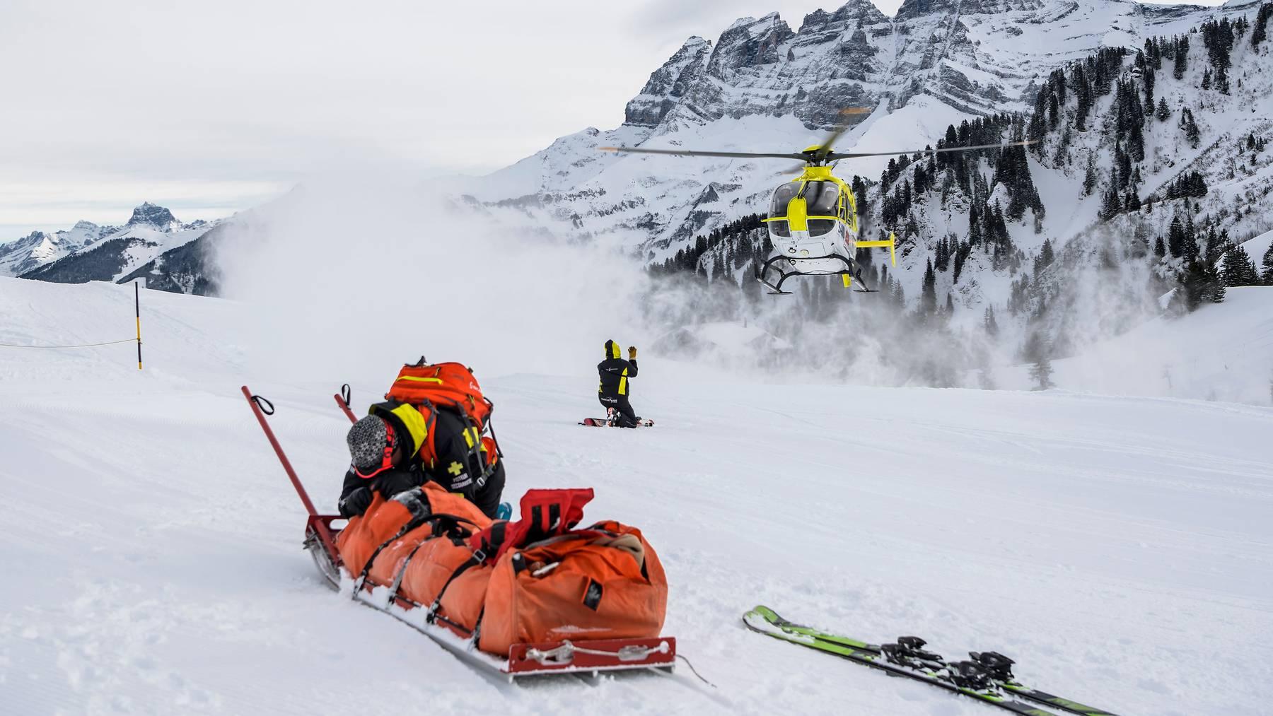 Eine deutliche Zunahme stellte die Suva bei den Skiunfällen fest.
