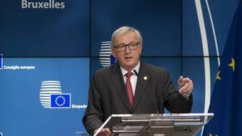 """Der EU-Gipfel hatte am Freitag in Brüssel den Start der zweiten Phase der Brexit-Verhandlungen beschlossen. EU-Kommissionspräsident Jean-Claude Juncker warnte jedoch, die zweite Phase werde wesentlich schwieriger als die erste - """"und die erste war sehr schwer""""."""