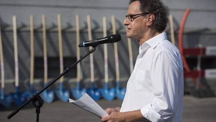Badens Stadtammann Geri Müller bei einer Ansprache.