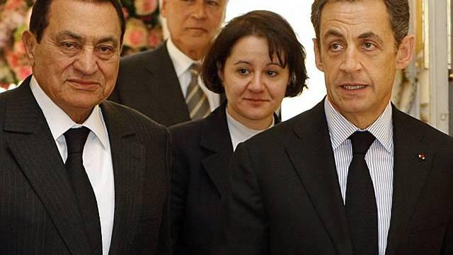 Husni Mubarak (r.) zu Besuch bei Nicolas Sarkozy