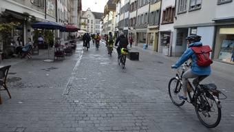 Nach der Velotour durch Suhr und Entfelden: Die Zieleinfahrt in Aarau