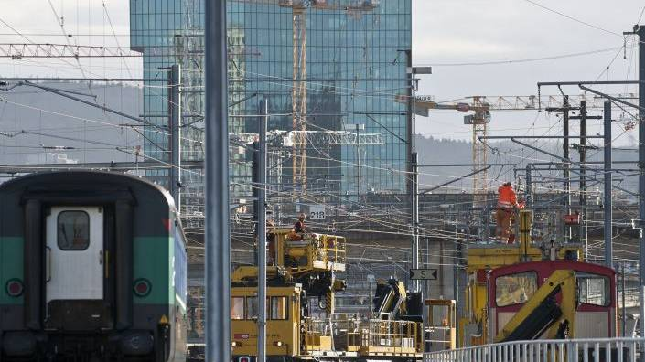 Zürich: Hunderte Zugscheiben mit Hammer eingeschlagen