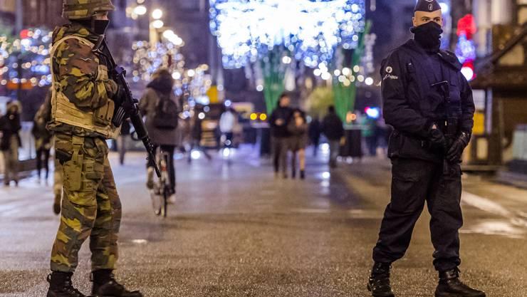 Armee und Polizei auf den Strassen Brüssels.