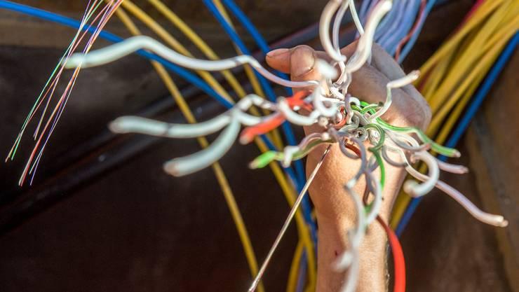 Unternehmen sollen sich im Bereich optische Kommunikation abgesprochen haben.