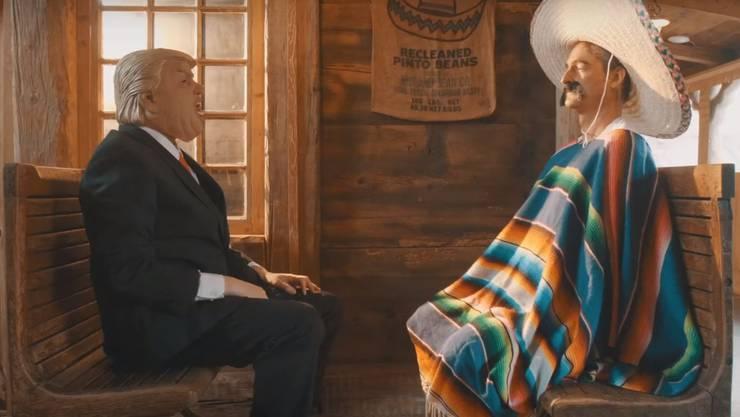 Im Video stehen sich Trump (links) und ein Mexikaner gegenüber. Letzteren spielt Tufano selbst.