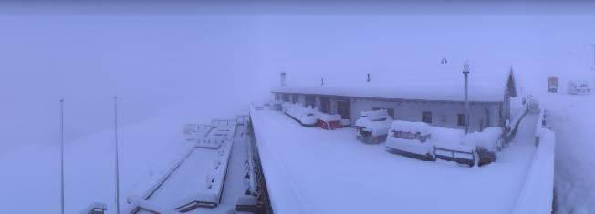 El Paradiso in St. Moritz versinkt im Schnee