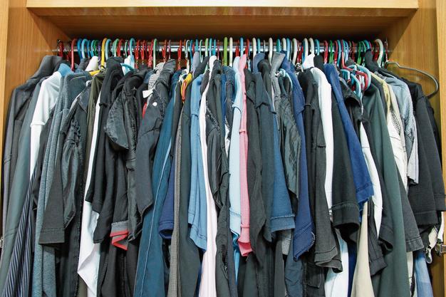 Schweizer kaufen 12 Kilo Kleider pro Jahr. Viele werden nie getragen.